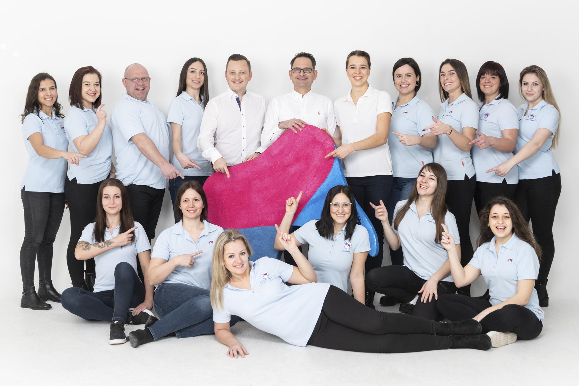 Mit Herz und Leidenschaft ist unser Team für Kieferorthopädie bei der Arbeit.