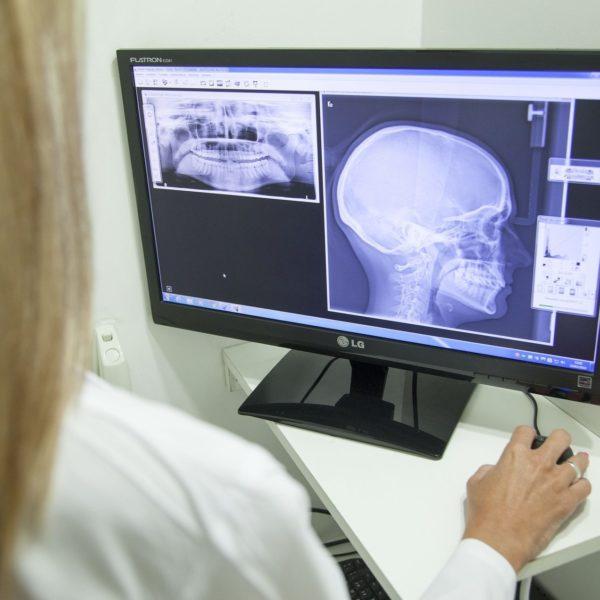Unsere kieferorthopädische Praxis arbeitet mit anderen Fachärzten eng zusammen.