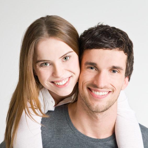 Linguale Zahnspange für Erwachsene