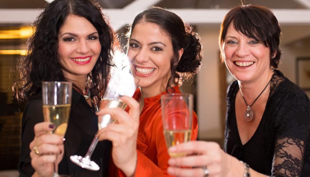 Partypeople mit lingualer Zahnspange