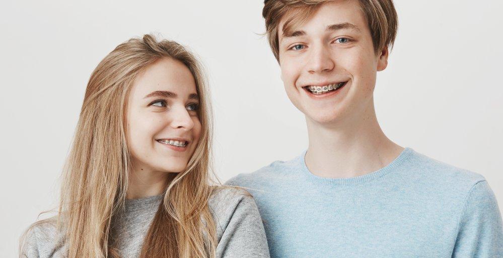 Fragen zur Zahnspange bei Jugendlichen.