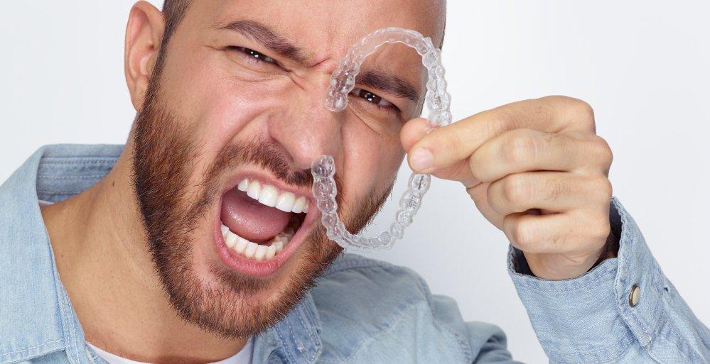 Unsichtbare Zahnkorrekturen mit Invisalign